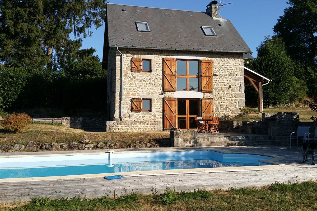Gite avec piscine en creuse 3 chb 6 pers flayat creuse for Vacances en alsace avec piscine