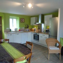 Gîte Chez Gabrielle Maison avec grande terrasse au coeur d'Auzances en Creuse limite Auvergne et Chaîne des Puys (UNESCO) - Location de vacances - Auzances