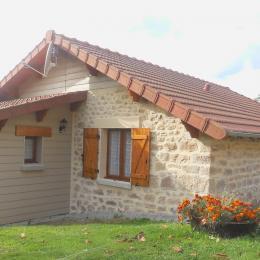 Location de vacances La Grisolla Gîte familial avec un grand espace extérieur à la campagne en Creuse - Location de vacances - Saint-Pardoux-Morterolles