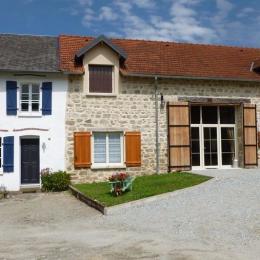 façade avant du gîte - Location de vacances - Saint-Dizier-Leyrenne