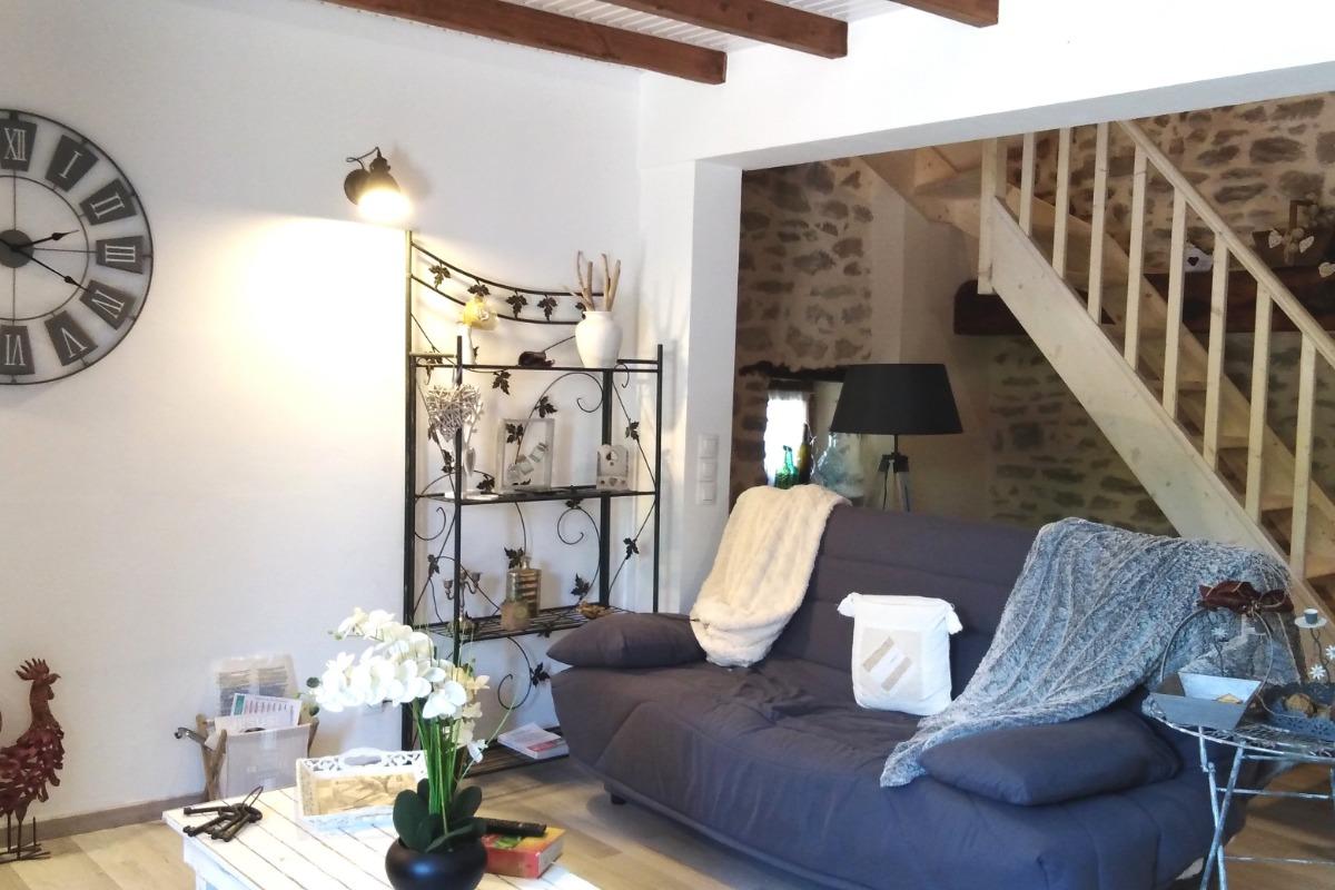 Location de vacances Gîte La Colombe - Venez tomber sous le charme de cette grange entièrement rénovée à Crozant en Creuse Salon - Location de vacances - Crozant