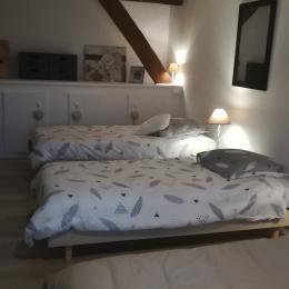 Location de vacances Gîte La Colombe - Venez tomber sous le charme de cette grange entièrement rénovée à Crozant en Creuse Grande chambre 25m2 pour 4 personnes  - Location de vacances - Crozant