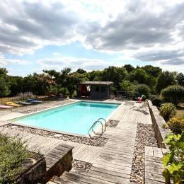 Piscine - Location de vacances - Saint-Jean-d'Eyraud