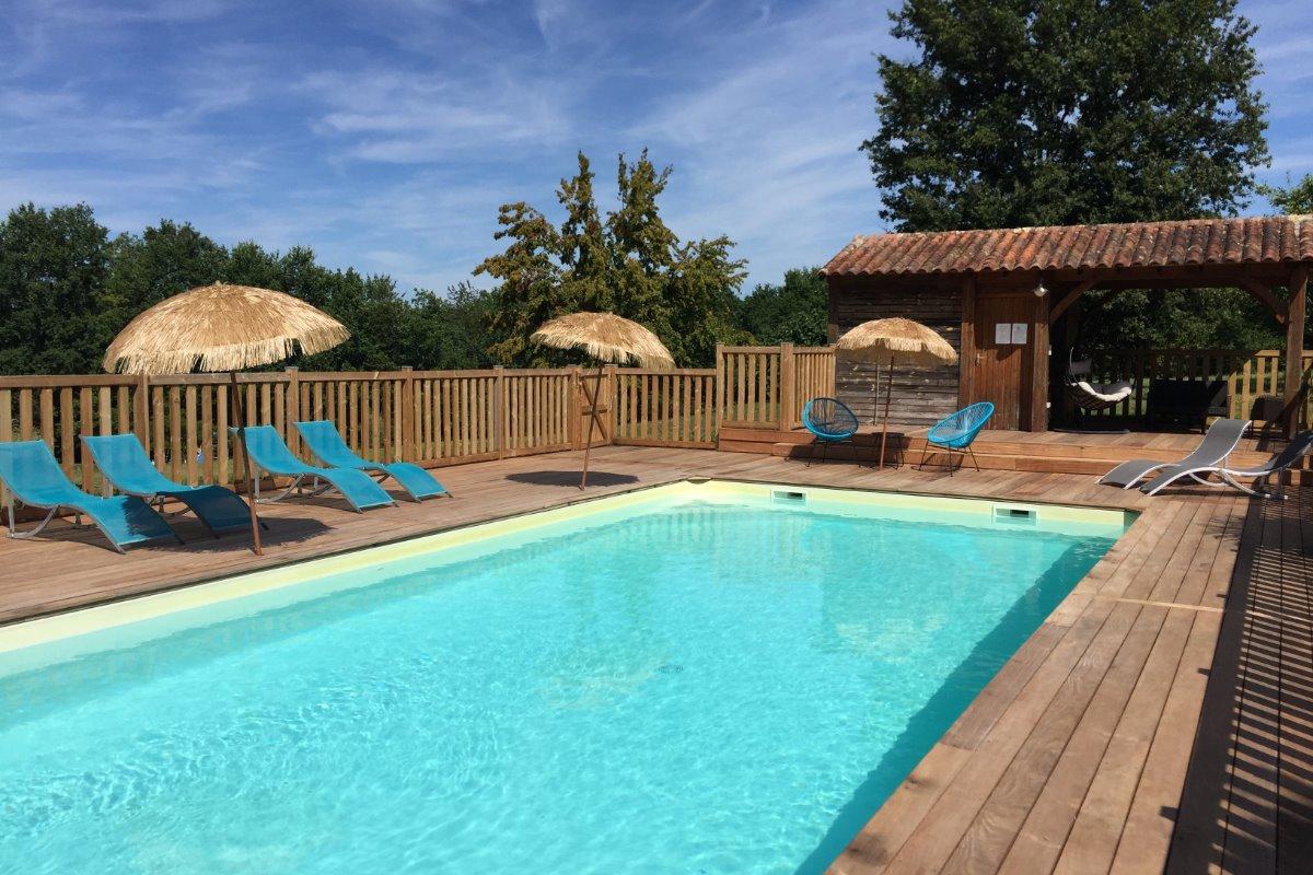 espace piscine - Location de vacances - Valojoulx