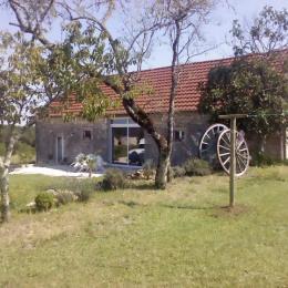 Façade la maison n°2 - Location de vacances - Salignac-Eyvigues