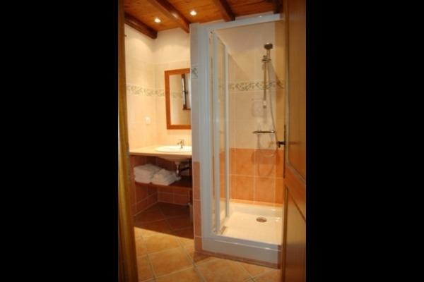 Salle d'eau chambre Chêne à côté WC privatif - Chambre d'hôtes - Saint-Agne