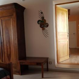 une douche spacieuse et confortable - Chambre d'hôtes - Bouniagues