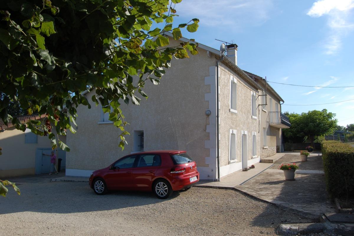 Parking privé - Location de vacances - Coulounieix-Chamiers
