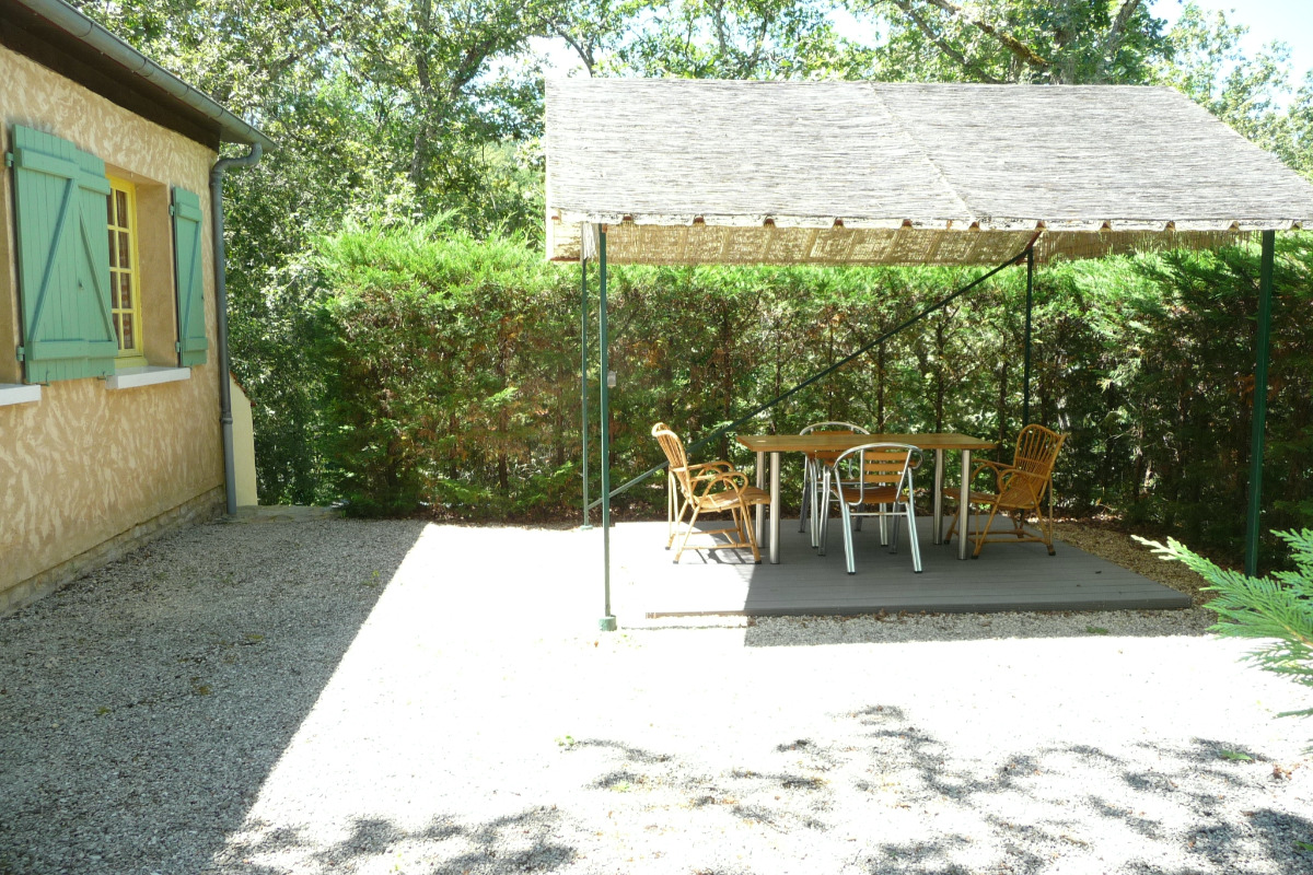 Gîte et tonnelle - Location de vacances - Cénac-et-Saint-Julien