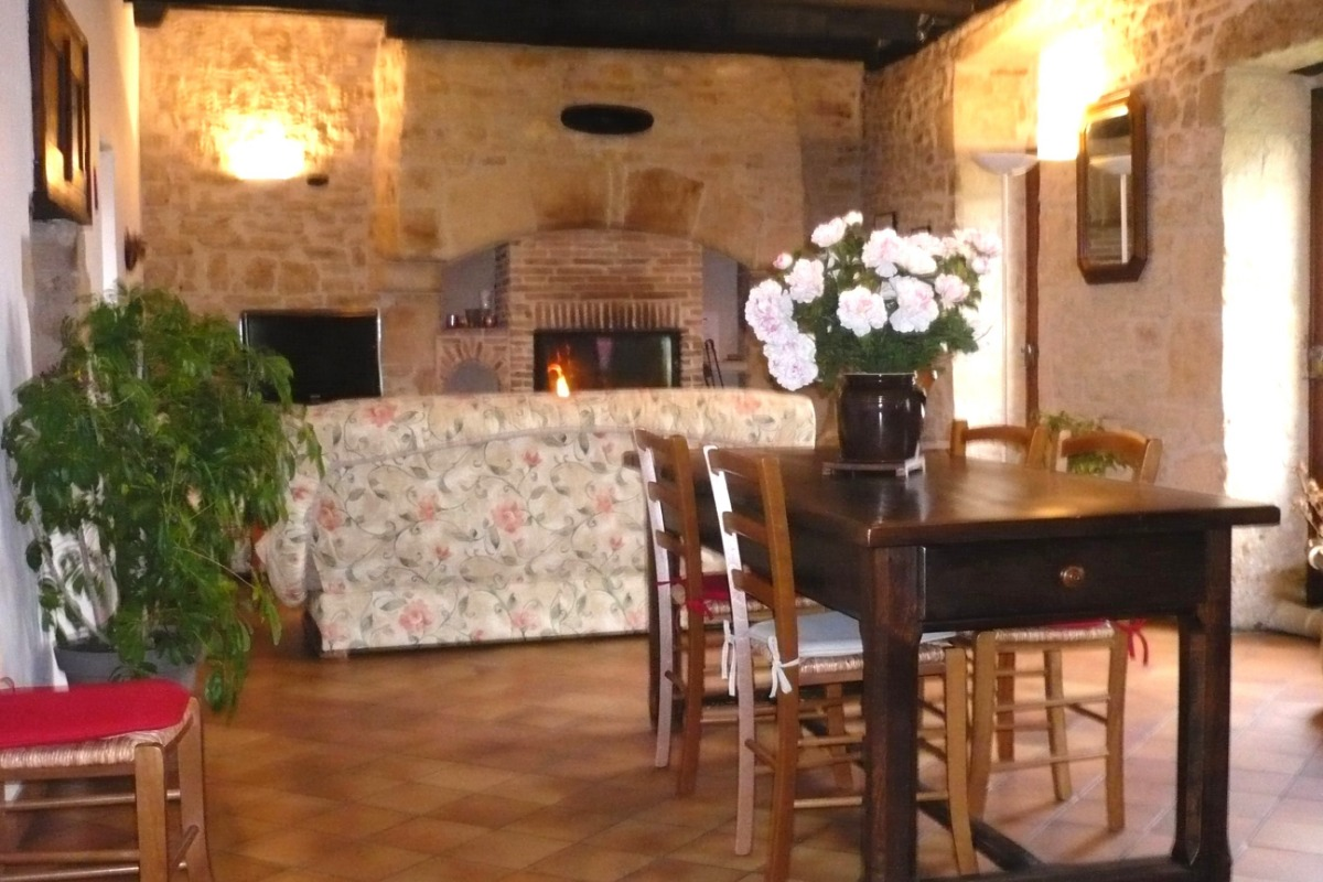 Salon- séjour de 45 m2 - Location de vacances - Sarlat-la-Canéda