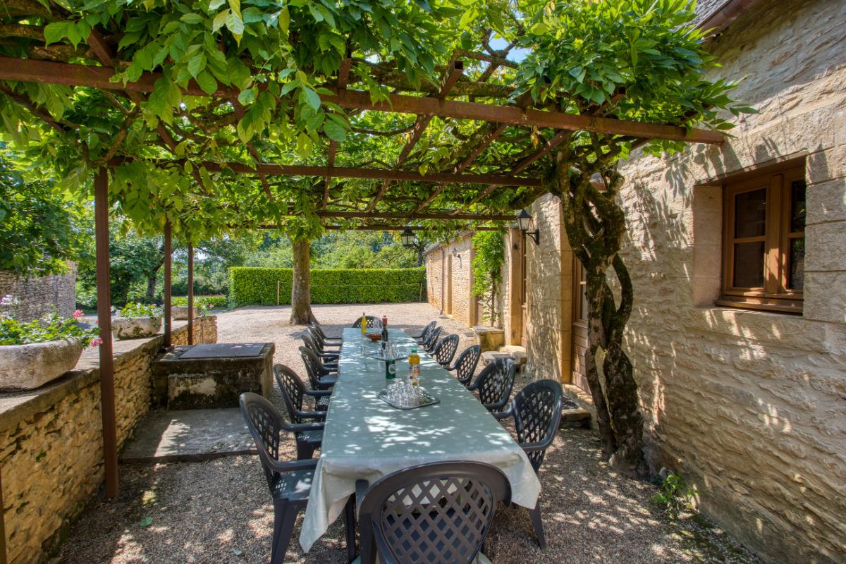 PISCINE COMMUNE AUX 3 GITES - Location de vacances - Saint-Geniès