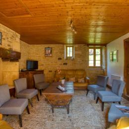 SALLE A MANGER 40M2 - Location de vacances - Saint-Geniès
