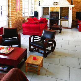 salle à manger donnant sur le salon - Location de vacances - Condat-sur-Vézère