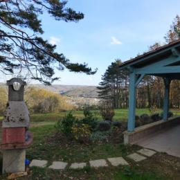 terrasse et vue colline de Lascaux  - Location de vacances - Montignac