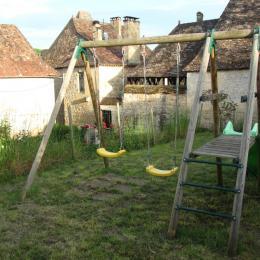 Jardin avec vue sur le village - Location de vacances - Lanquais