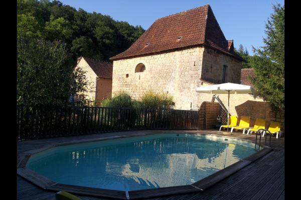 la piscine - Chambre d'hôtes - Valojoulx