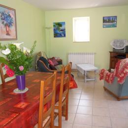 SALON SALLE A MANGER - Location de vacances - Groléjac