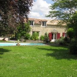 maison, piscine et jardin ombragé - Location de vacances - Saint-Méard-de-Gurçon