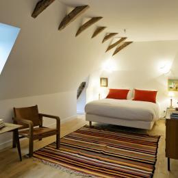 La chambre Tozeur avec sa déco d'inspiration tunisienne - Chambre d'hôte - Saint-Vincent-de-Cosse