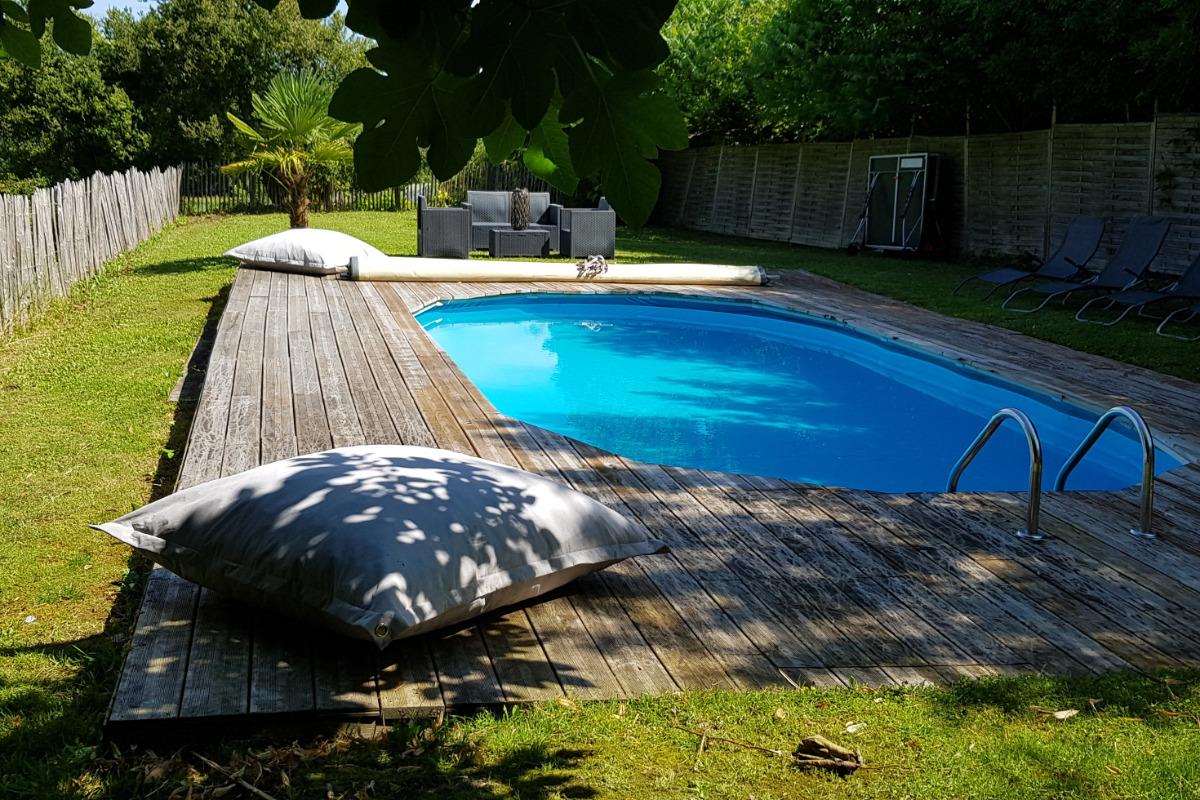 Jardin entièrement clos à l'arrière de la maison - Location de vacances - Saint-Victor