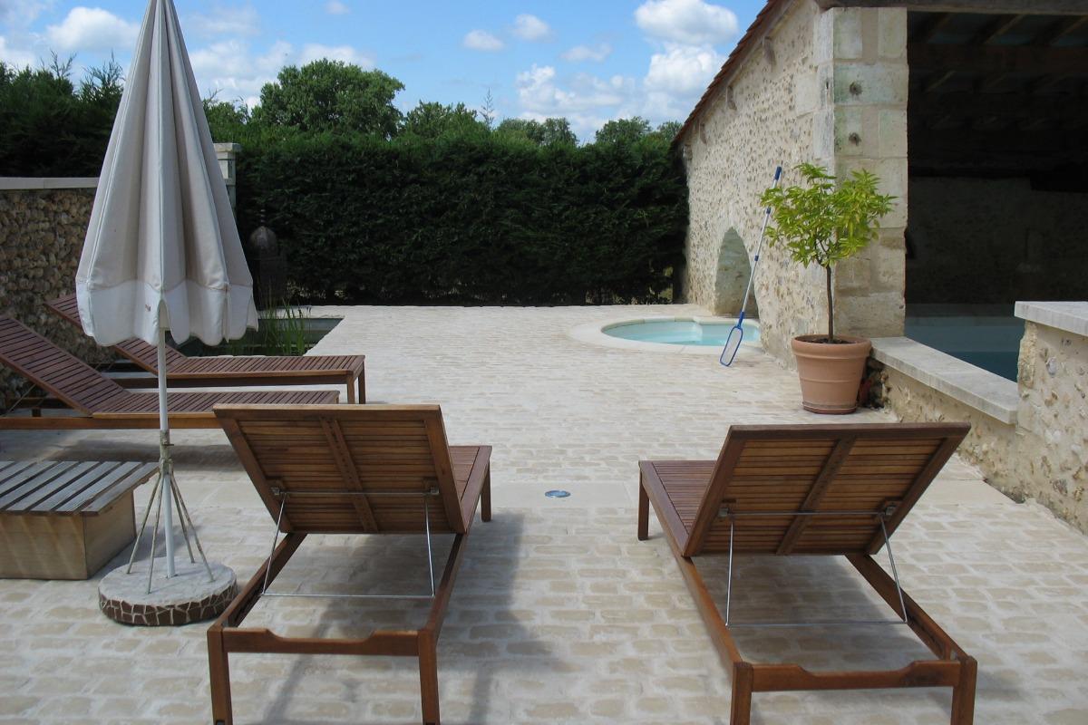 terrasse piscine sud - Location de vacances - Château-l'Évêque