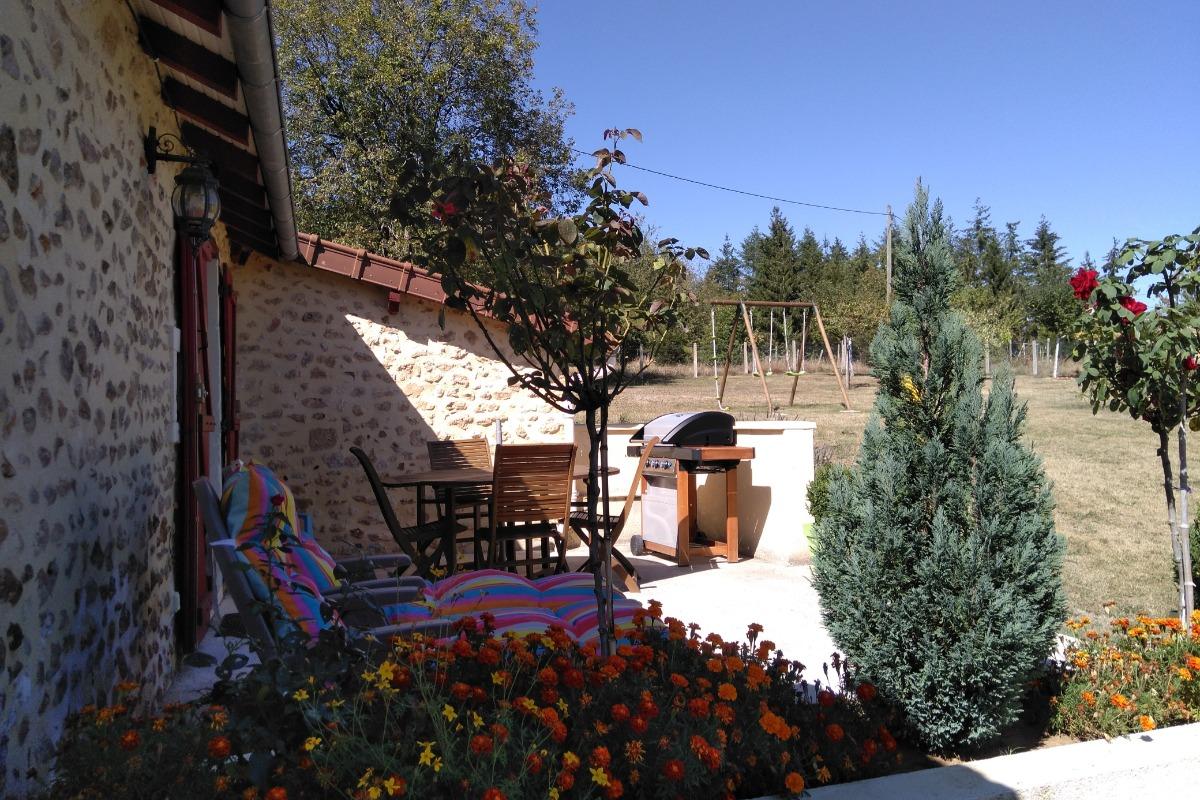 Vue de la terrasse - Location de vacances - La Douze
