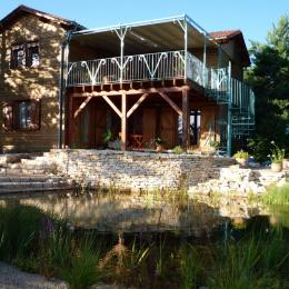 Maison vue du jardin  - Location de vacances - Plazac