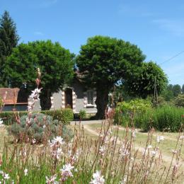 La maison vue du parc - Location de vacances - Calès Dordogne
