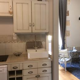 cuisine équipée, salon  - Location de vacances - Sarlat-la-Canéda