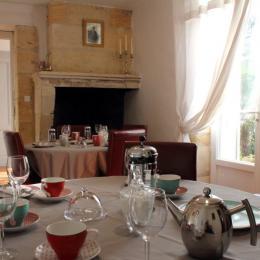 Salon de petit déjeuner en fonction de la météo - Chambre d'hôtes - Saint-Michel-de-Montaigne
