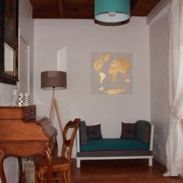 Petit salon avec accès terrasse et jardin - Chambre d'hôtes - Saint-Michel-de-Montaigne