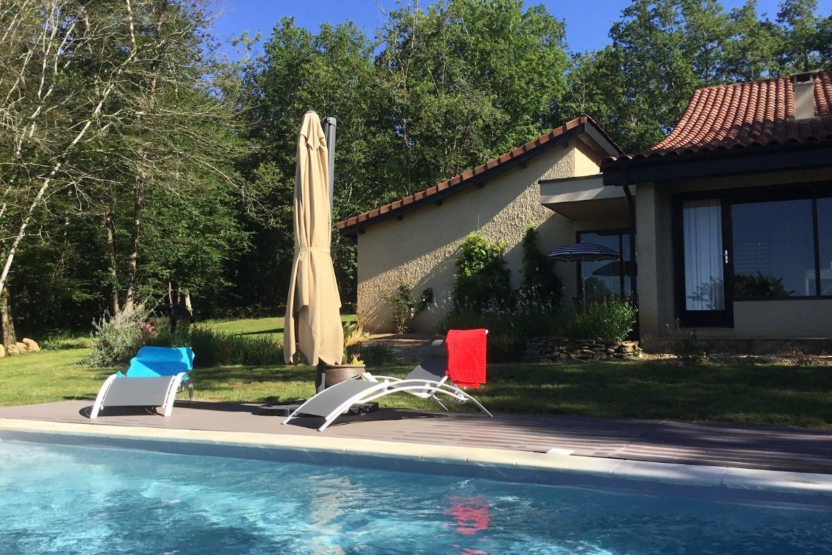 Gîte en Dordogne-Périgord avec piscine privée - terrasse et bains de soleil - Location de vacances - Mauzac-et-Grand-Castang