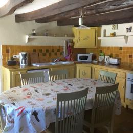 Cuisine - salle à manger - Location de vacances - Maurens