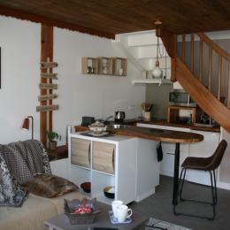 Le coin cuisine où vous pourrez préparer vos repas - Location de vacances - Saint-Pierre-de-Chignac
