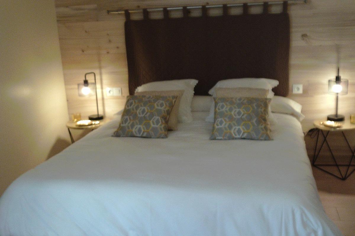 Lit Queen size 160 x 200 - Chambre d'hôtes - Montignac
