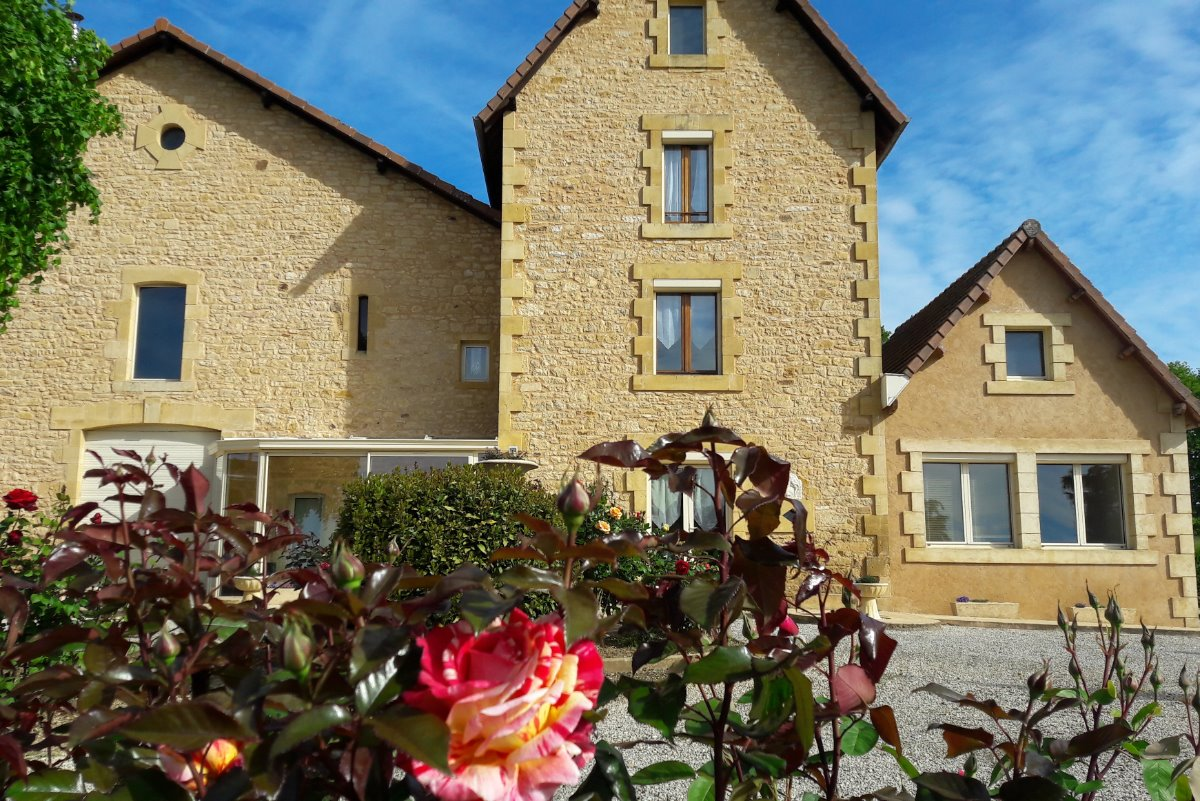 Vue depuis la cour - Location de vacances - Clermont-d'Excideuil