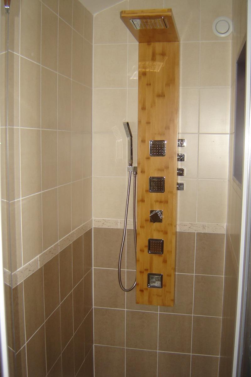 Douche hydromassante - Chambre d'hôtes - Saint-Privat-des-Prés
