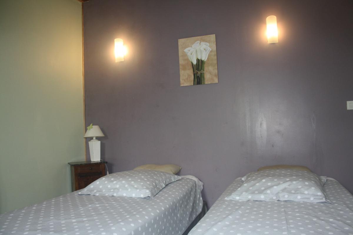 chambre option lits jumeaux - Chambre d'hôtes - La Coquille