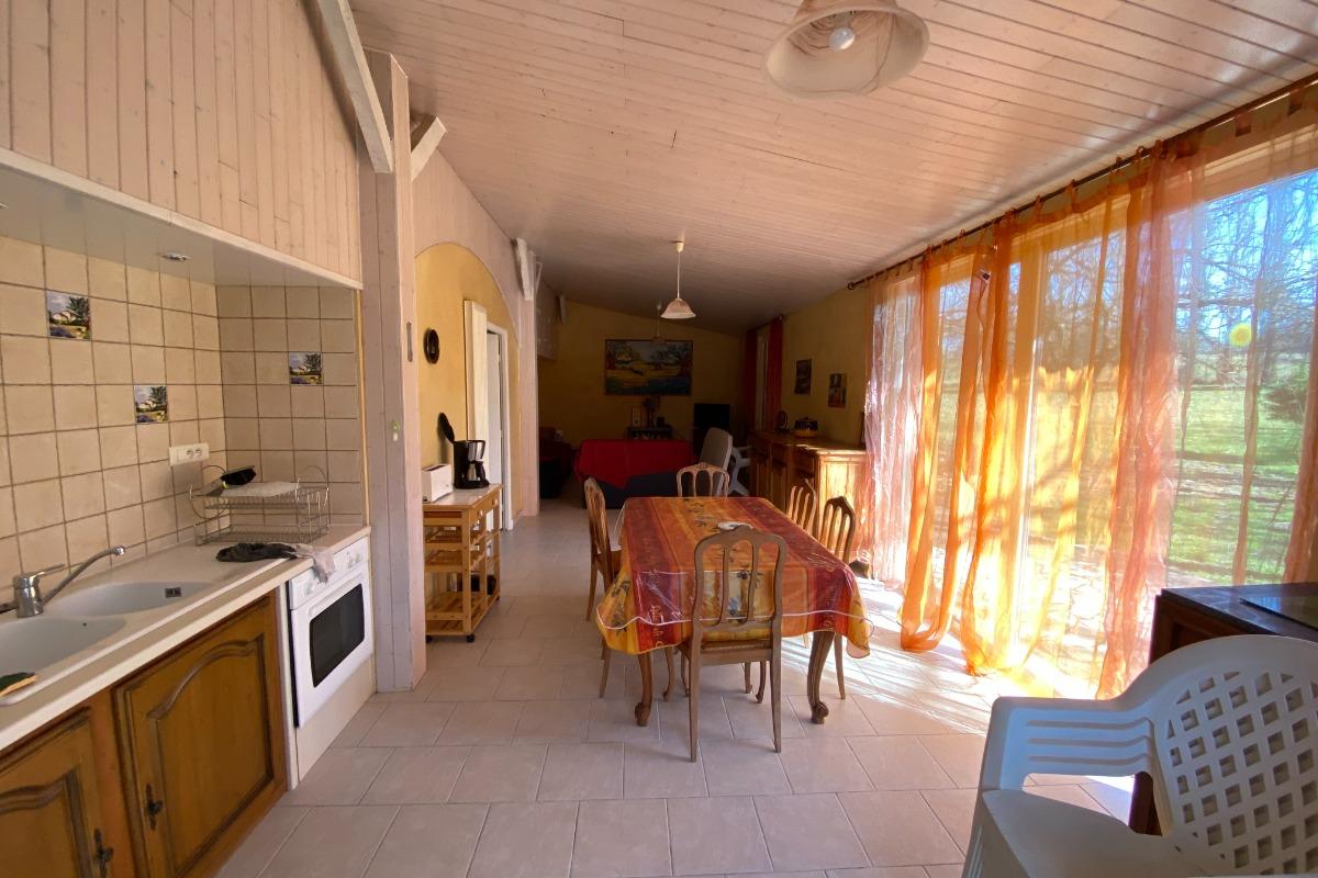 séjour cuisine - Location de vacances - Sarlat-la-Canéda