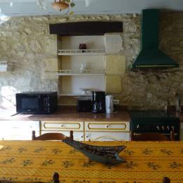 cuisine - Location de vacances - Saint-Vincent-de-Cosse