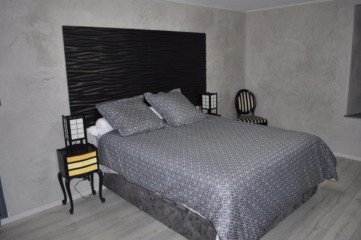 grande chambre d 39 h tes elisa au coeur du doubs piscine sauna jardin proximit besan on. Black Bedroom Furniture Sets. Home Design Ideas