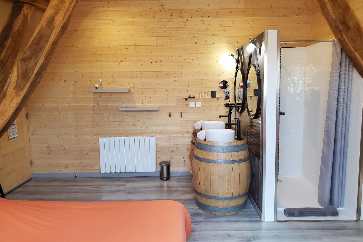 Douche et vasques - Chambre d'hôtes - Vellerot-lès-Vercel