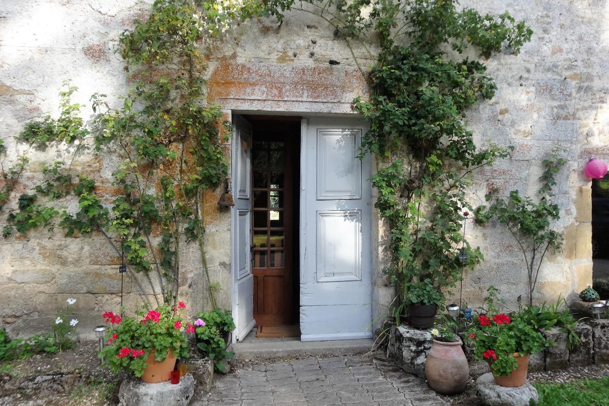 Entrez à l'Abbaye de Mont-Sainte-Marie - Location de vacances - Labergement-Sainte-Marie