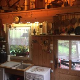 La cuisine - Location de vacances - La Cluse-et-Mijoux