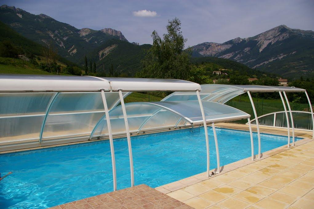 piscine commune aux 4 gites - Location de vacances - Chamaloc
