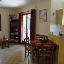 Pièce de jour - Location de vacances - Mirabel-aux-Baronnies