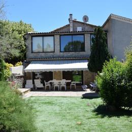 Le Myosotis   Appartement Avec Piscine Commune En Drôme Provençale