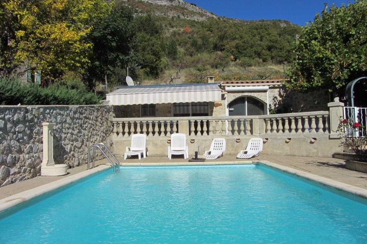 La pervenche maison avec piscine couverte commune en - Location vacances drome avec piscine ...