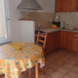 Sa cuisine tout équipée - Location de vacances - Mirabel-aux-Baronnies