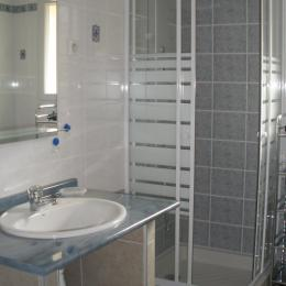salle de bain - Location de vacances - Châteauneuf-du-Rhône